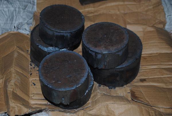 Besi pejal yang akan digunakan membuat bantalan