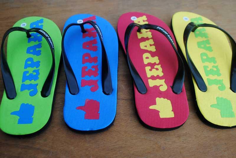 karakter-warna-sandal-wisata