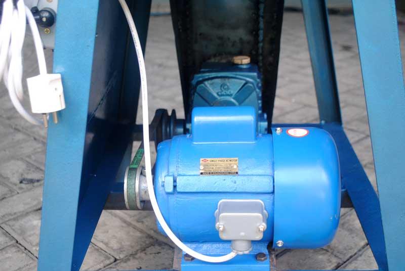 daya-motor-1-pk-untuk-membuat-mesin-rol-sandal