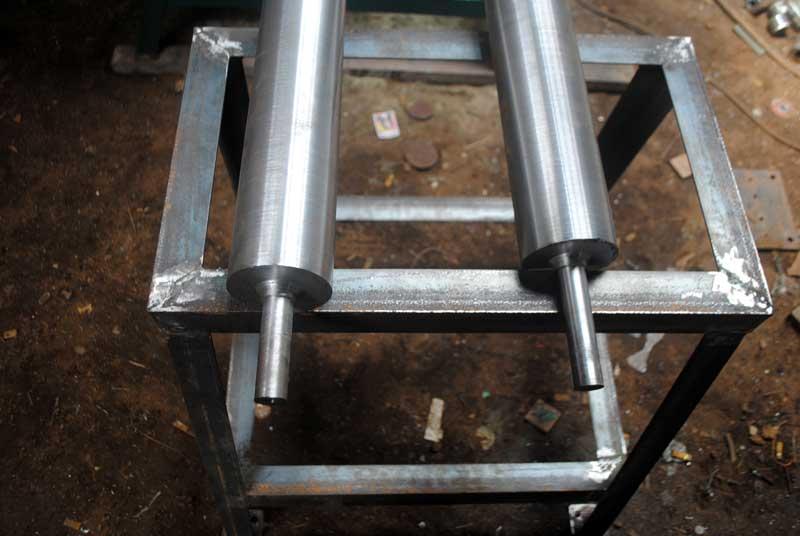proses-pembuatan-mesin-rol-yang-menggunakan-dinamo