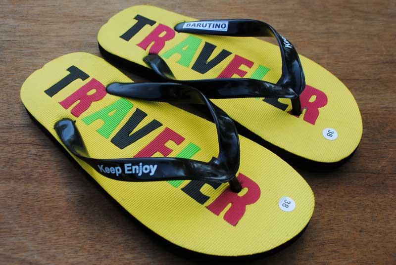 traveler-untuk-sandal-wisatawan