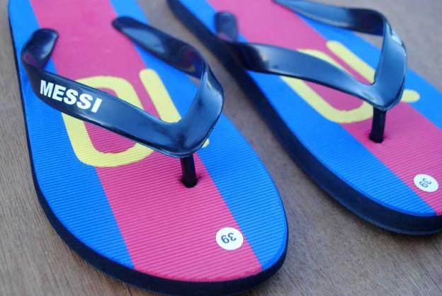 sandal-pengemar-artis-sepak-bola-Lionel-Messi