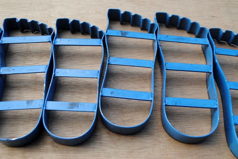 pisau-sandal-sesuai-bentuk-kaki