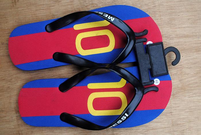 alat-memajang-sandal-japit-di-toko