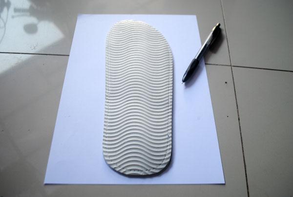 Cara mengemal atau meniru bentuk dari profil sandal hotel