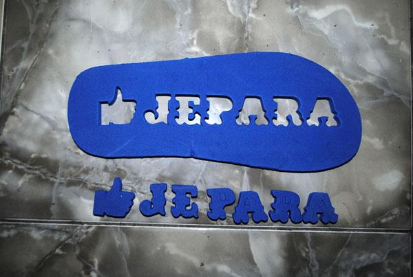 Membuat sandal wisata untuk toko oleh-oleh : I LIKE JEPARA
