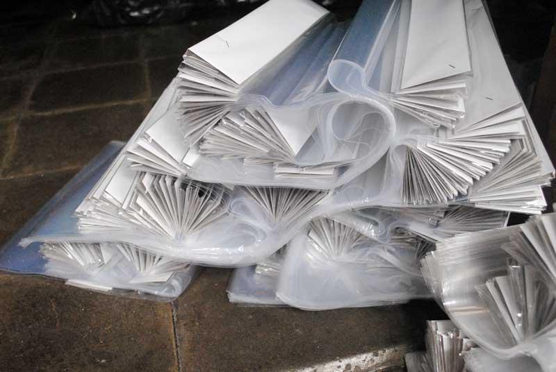 plastik-packing-yang-belum-dilubangi