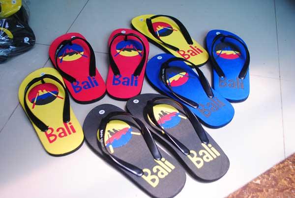 Sandal yang sudah jadi ( sandal sari profit rafting )