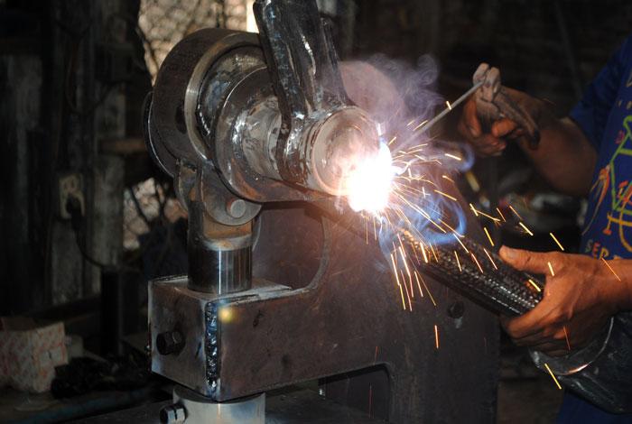 Proses pembuatan mesin pond manual