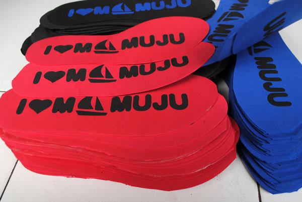 Sketsa perahu layar jadi inspirasi bikin souvenir sandal khas Mamuju