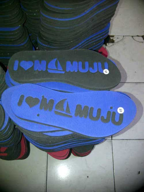 sudah-siap-untuk-pemasangan-tali-sandal