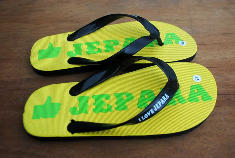 kota-jepara-sandal-souvenir-wisata