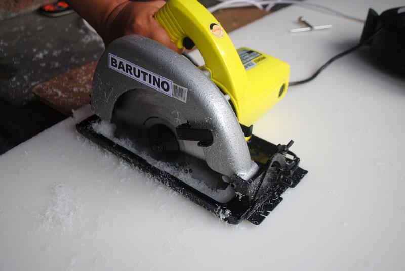 circular-saw-untuk-memotong-bahan-nylon-PE