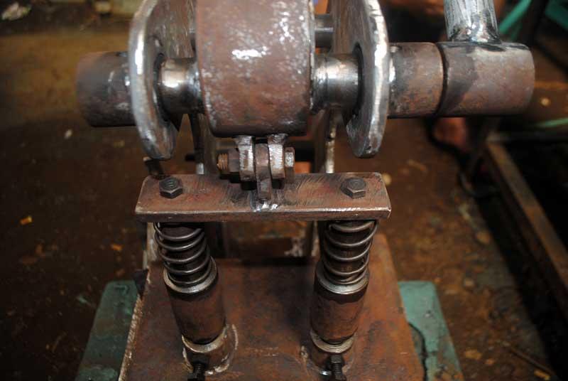 material-besi-untuk-hot-press