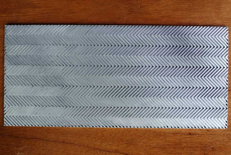 matras-out-sole-berbahan-aluminium