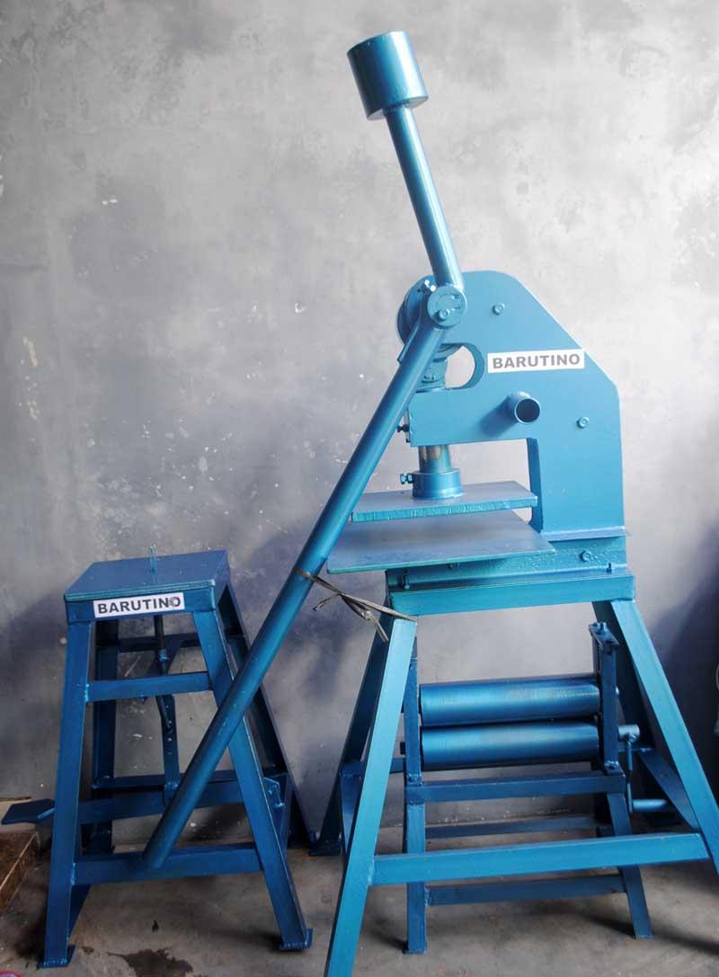 mesin-dan-alat-membuat-sandal