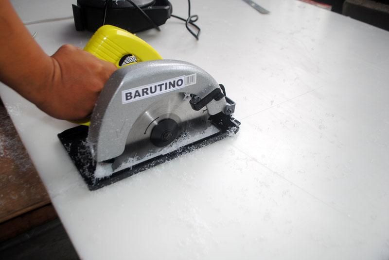 mesin-potong-circular-saw-memotong-bahan-nylon-polyeteline