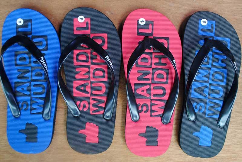 Sandal khusus untuk wudhu atau disingkat sandhu