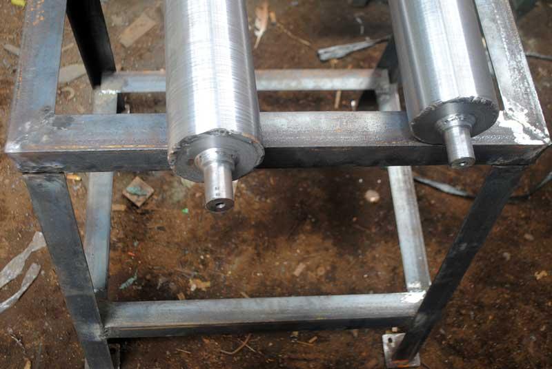 mesin-rol-sandal-untuk-produksi-ribuan-pasang