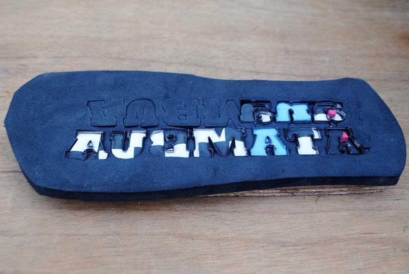 alat-membuat-sandal-ana-atambua