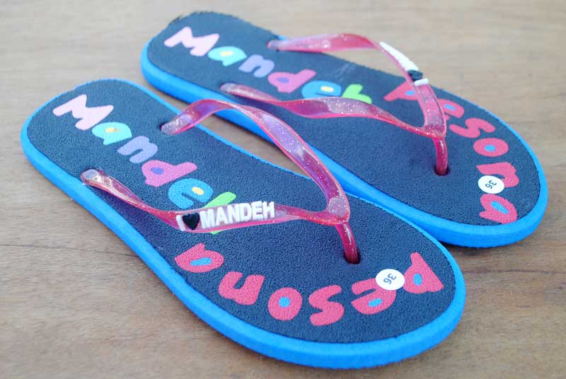 sandal-wisata-sumatera-barat