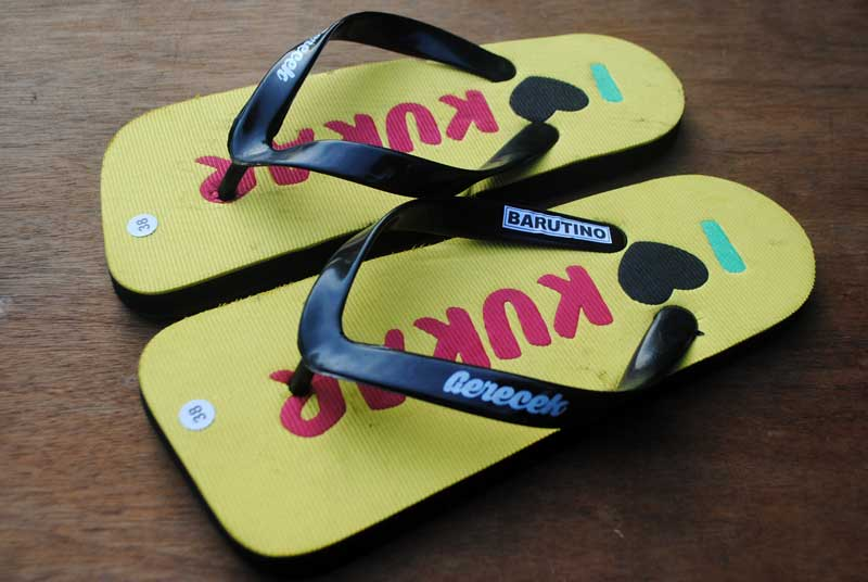 sandal-tenggarong