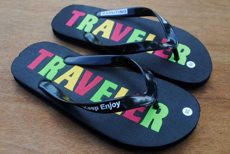 sandal-untuk-berwisata