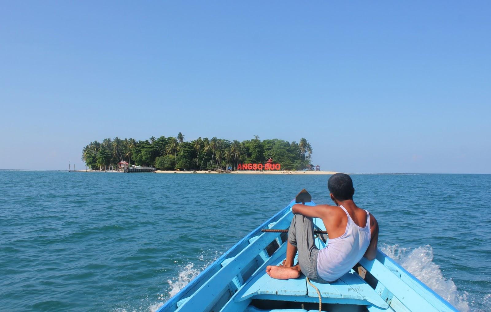 Sumber : http://kidalnarsis.blogspot.co.id/2016/05/serunya-keliling-pulau-angso-duo-yang.html