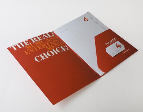 Sumber foto : http://ayuprint.co.id/wp-content/uploads/2013/08/desain-map-untuk-company-profile-07b.jpg