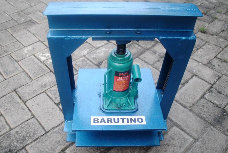 mesin pond sandal dengan sistem hidrolik