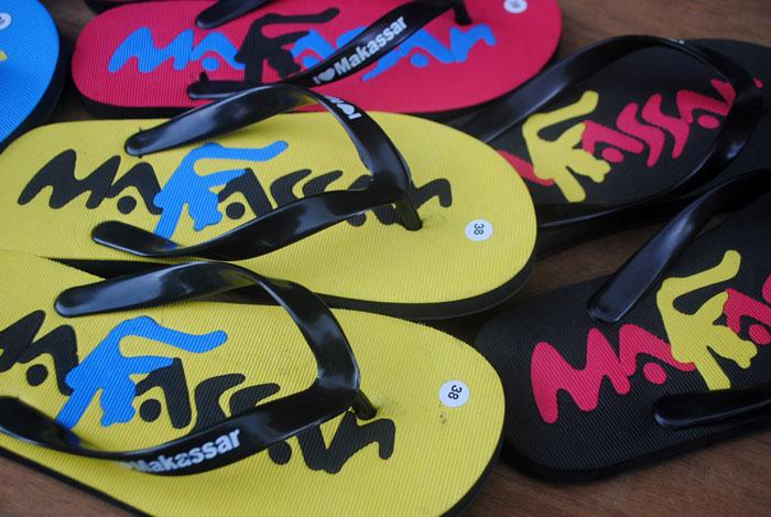 sandal cowok untuk wisata makassar