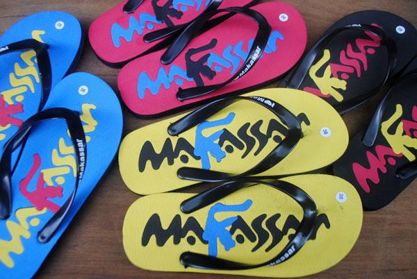 Gaya huruf lontara untuk tulisan sandal Makassar