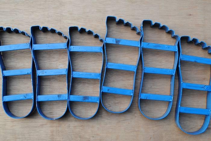 sandal-bentuk-kaki