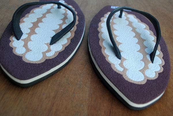 sandal-sesuai-bentuk