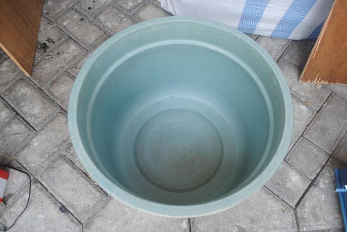 ember-sebagai-pak-penampung-air
