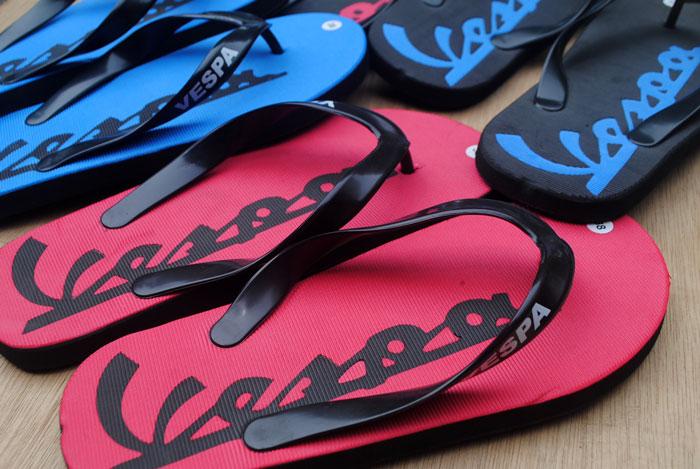 Sandal untuk semua Vespa mania