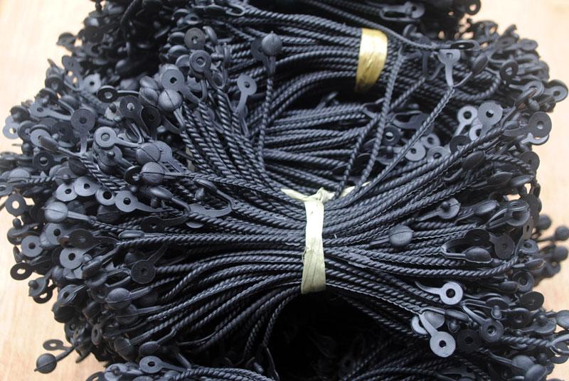 Tali plintir untuk digunakan pada tas gantungan produk