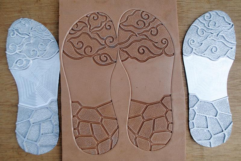 Berkreasi membuat cetakan insole sandal